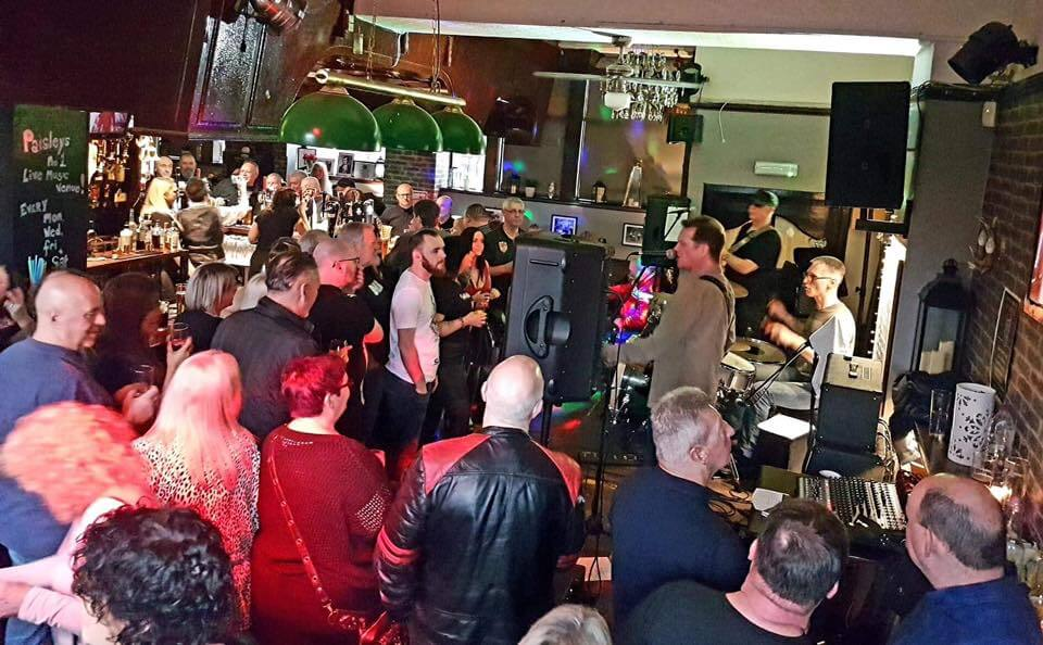 Live band at the old swan pub in paisley